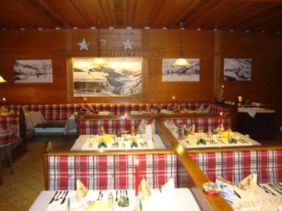 Hotel Unterellmau: Trationelle Stube