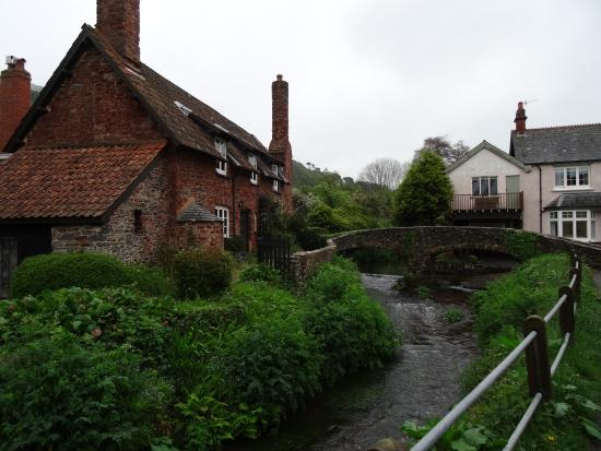 Allerford, UK: Little bridge over stream which would be better in sunny weather.