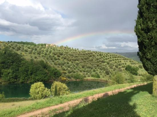 Hosteria Mattta: Finished the day with a beautiful rainbow over the lake