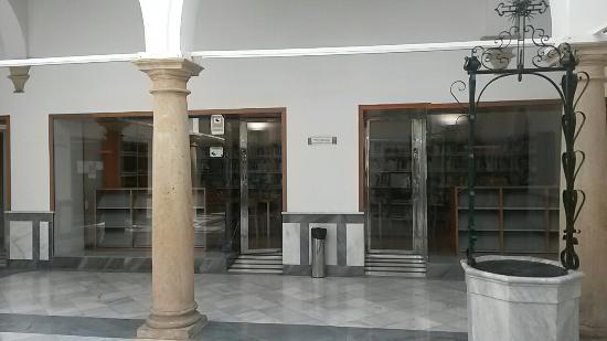 Biblioteca Publica Municipal Garcia Gutierrez