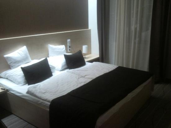 Promenade City Hotel: P121207_170300_large.jpg