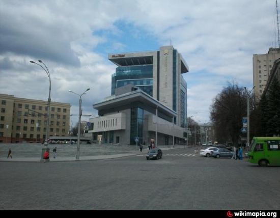 Kharkiv Palace Premier Hotel: на первый взгляд, большее здание, но внутри.....