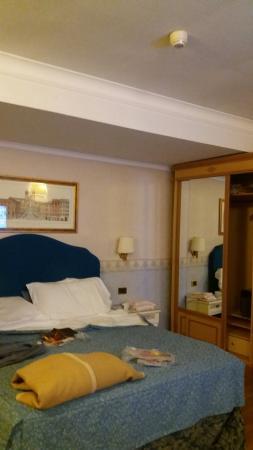 Hotel Cecil: 20160207_193628_large.jpg