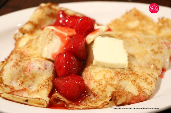 Jerseyville, IL: Cheesecake strawberry crepes.