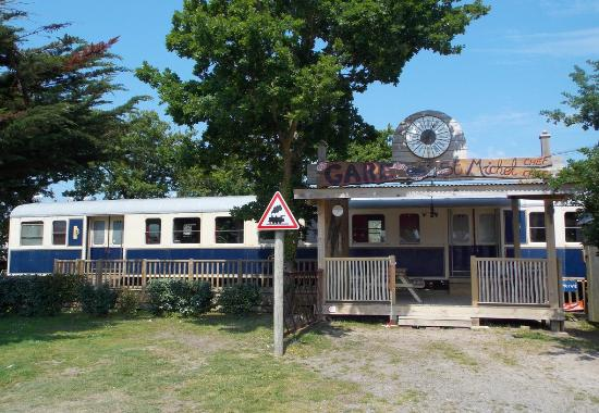 Wagon De Train  Camping Le Haut Village  Photo De Camping Le Haut