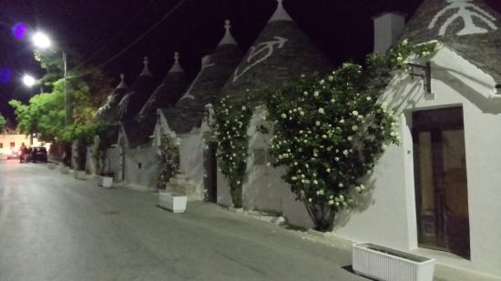 Trulli di notte - Foto di Trulli e Puglia B&b, Alberobello - Tripadvisor