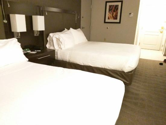 Holiday Inn Express & Suites Boston - Cambridge: IMG_20160503_211121_large.jpg