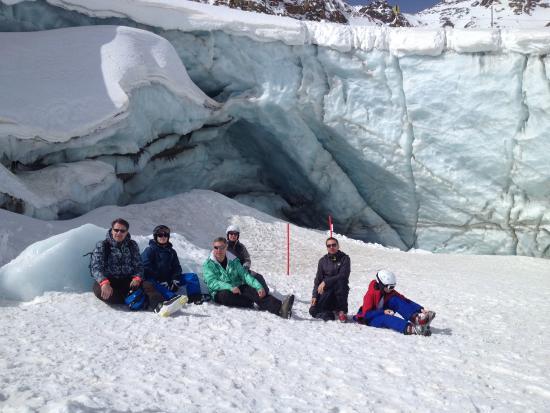 Hotel Möderle: Naast de piste een kloof van de gletsjer