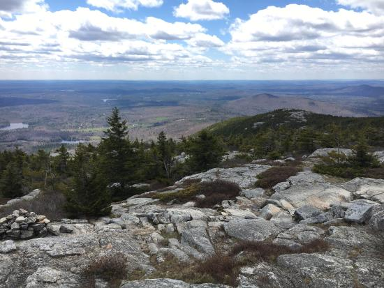 Jaffrey, NH: Beautiful climb up to the summit of Mt. Monadnock via the White Dot trail. Recommended wear good