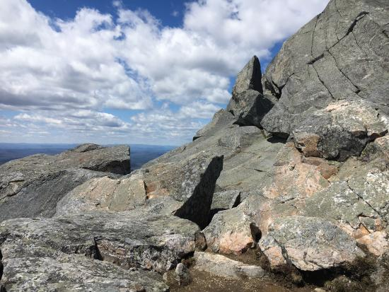 Jaffrey, Nueva Hampshire: Beautiful climb up to the summit of Mt. Monadnock via the White Dot trail. Recommended wear good