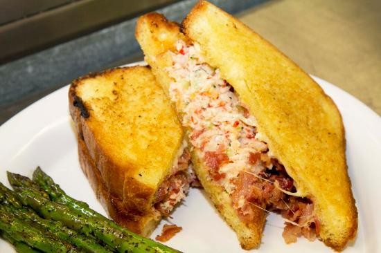 Long Beach, NY: Famous Lobster Grilled Cheese!