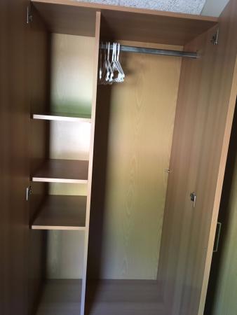 Kast in de slaapkamer (beneden) met stapelbedden - Bild von Roompot ...