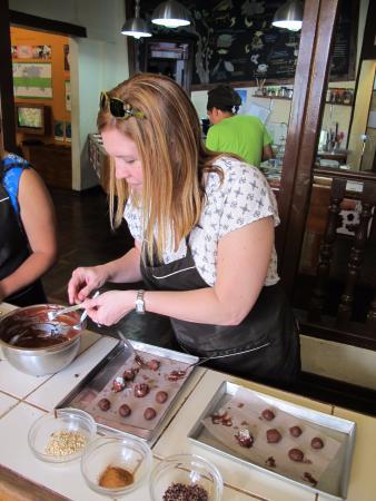 Choco Museo: Making Truffles