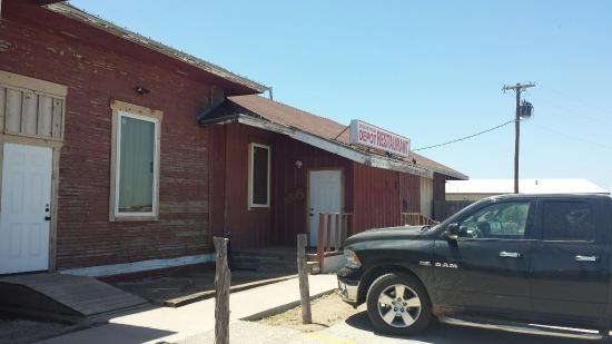 Quanah, TX: Medicine Mound Depot Restaurant