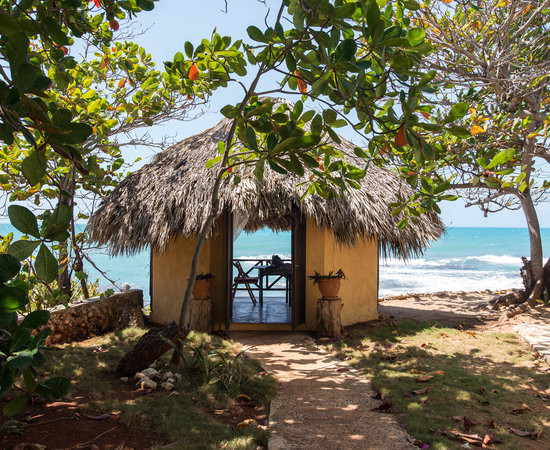 how to get to treasure beach jamaica