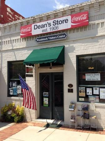 ‪Woodstock Visitors Center at Dean's Store‬