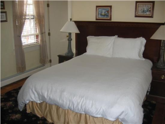 Inn on Bellevue: Bellevue House Economy Room 14