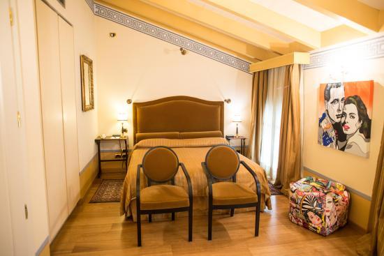 Hotel Palazzo Guiscardo: Calacatta Vagli Superior Room