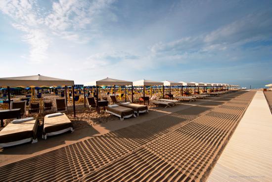 Hotel Palazzo Guiscardo Private Beach Club In Forte Dei Marmi