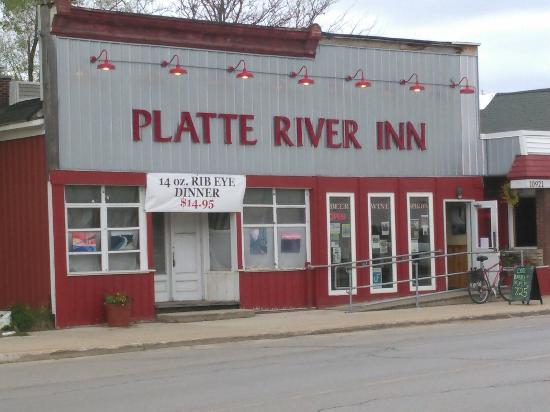 Honor, MI: Platte River Inn