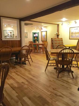 Tucker Hill Inn: Dining Room