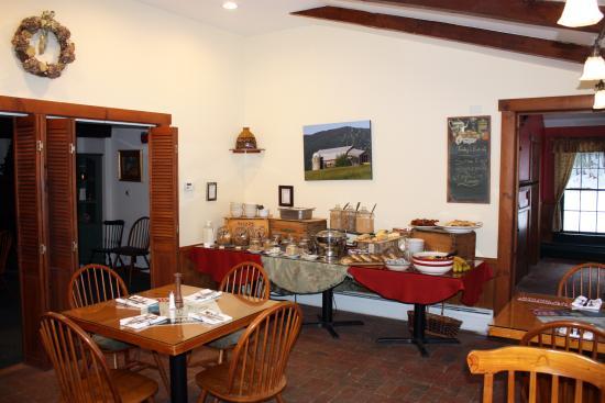 Tucker Hill Inn: Breakfast Spread