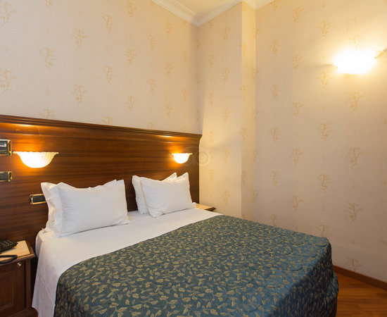 trans hotel serena rome reviews