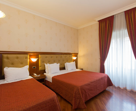 bang hotel serena rome reviews