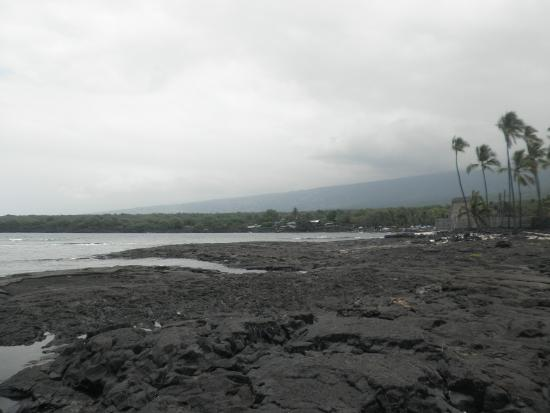 Honaunau, HI: famous snorkeling spot nearby, cannot park at grounds and snorkel