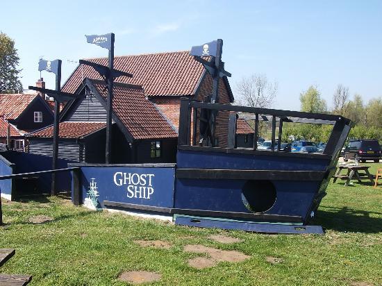 Eastbridge, UK: playship
