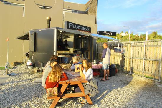 Francesca's Pizzas : Happy customers!