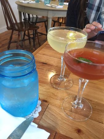 Saugatuck, MI: Delicious food and drinks!