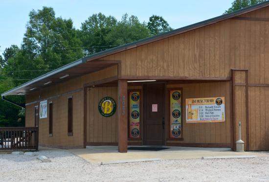 Brews Tavern