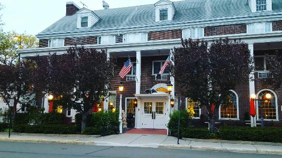 Lowell Inn, what a beautiful place!