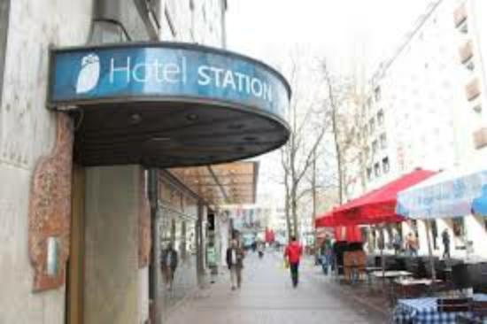Smart Stay Hotel Station: images_large.jpg