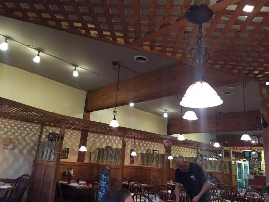 Pete's Rocky Mountain Pizza Company: photo2.jpg