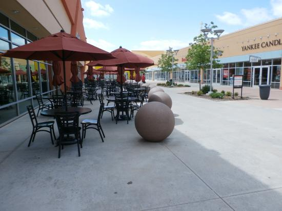 Outlet Shoppes at Oklahoma City: The Shops