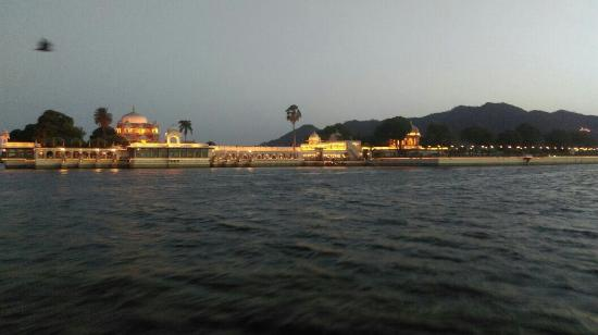 Jagmandir Island Palace : IMG-20160512-WA0004_large.jpg