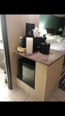 Causeway Bay Lansing Hotel: Kitchenette area