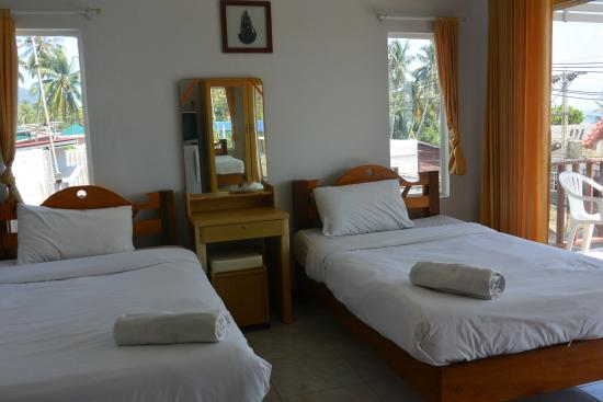 Baan Tai Backpackers: Private twin room