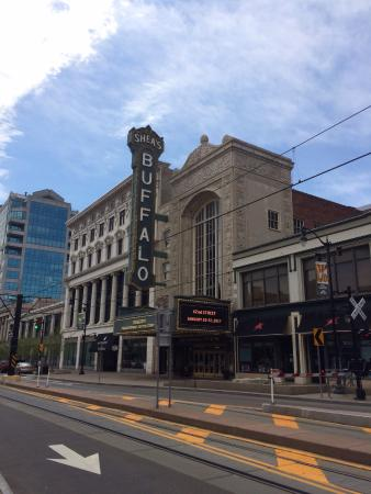 Shea's Performing Arts Center: A beautiful historical building & performing arts theatre