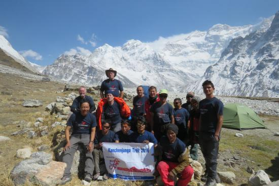 Kangchenjunga Region, Nepal: A successful trek to Kanchenjunga organized by Langtang Ri