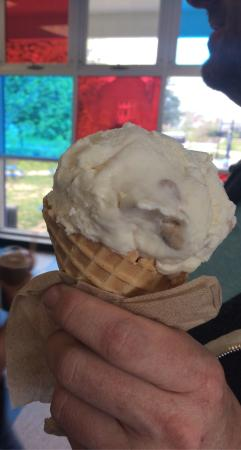 Storrs, Κονέκτικατ: UConn Dairy Bar, Chocolate Chip Cookie Dough