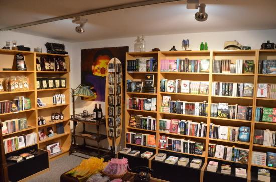 Hillesheim, Deutschland: Die Buchhandlung mit vielen, vielen Krimis
