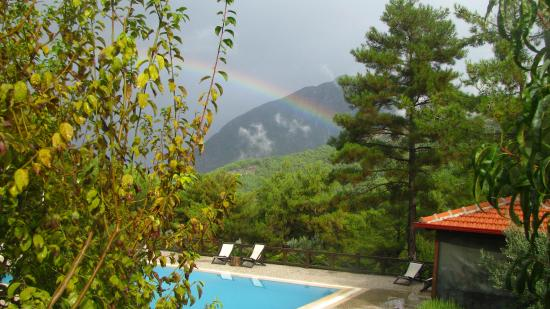 Dikencik Cottages: rainbow