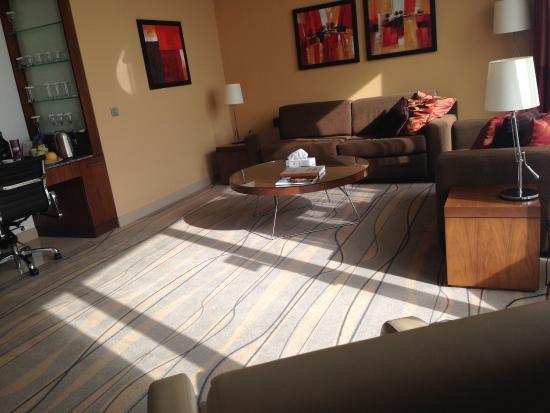 Staybridge Suites Beirut: The spacious sitting room