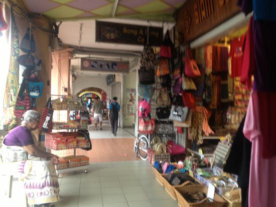 Marco Polo's Travellers: shopping near to hostel