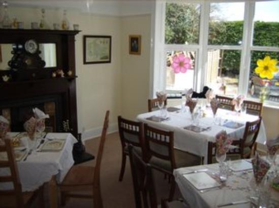 Fernhead Guest House: Breakfast Room