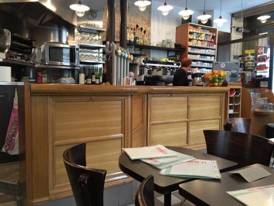 Photo of Restaurant Le Reinitas at 32 Rue Du Temple, Paris 75004, France