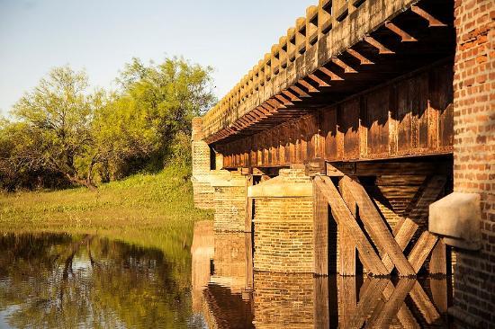 Esperanza, Argentyna: El viejo Puente Miura, al atardecer